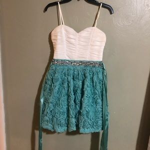 Dresses & Skirts - Short Party Dress Homecoming Semi